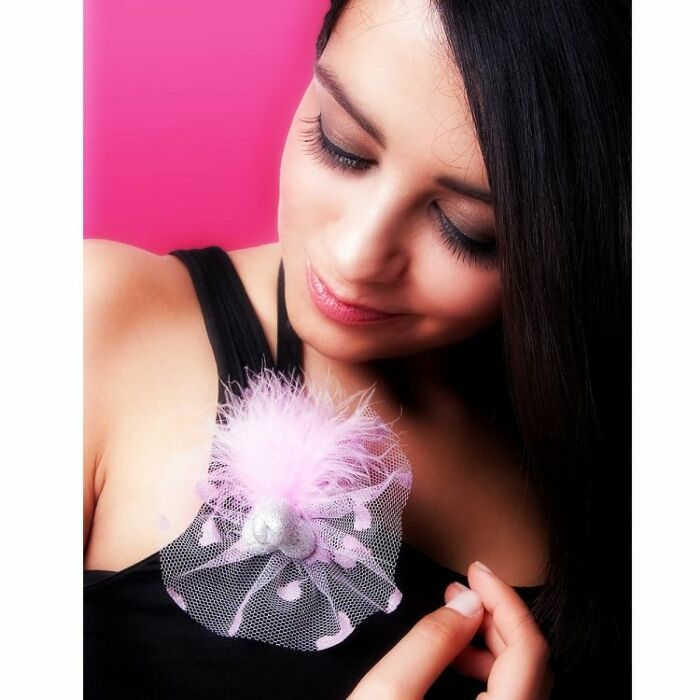 Pito brooch with pink tulle
